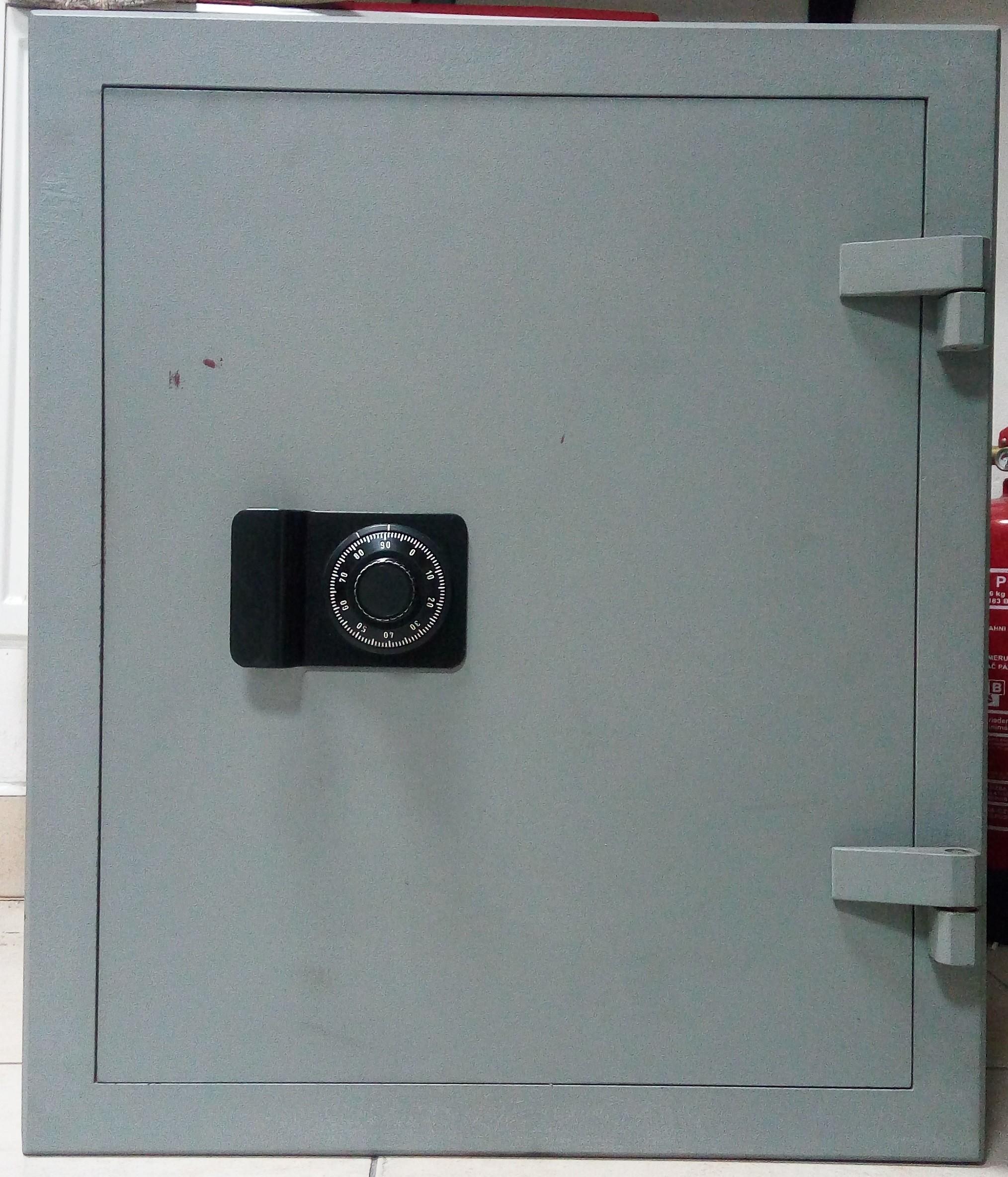Trezor skříňový LCN-650 bazar